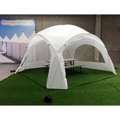 Foto van Orange Outdoor Iglo Dome tent 4x4m wit