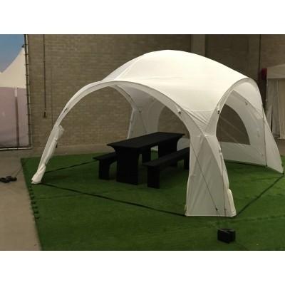 Foto van Orange Outdoor Iglo Dome tent 3.2x3.2m wit