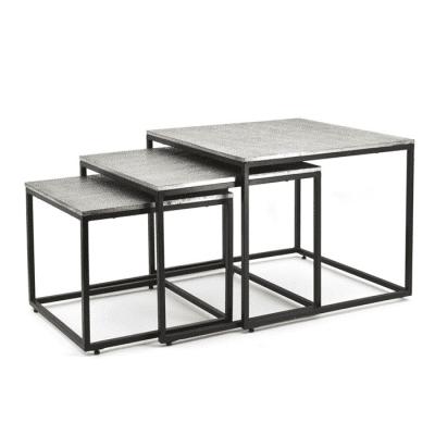 Hammered table (set van 3)