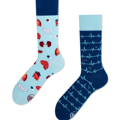 Foto van Many Mornings Dr. Sock Mismathed Unisex sokken (donatie Rode Kruis)