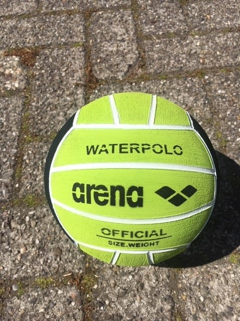 Arena Waterpolobal pupil groen mt. 3