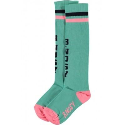 B.Nosy girls socks sea
