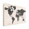Afbeelding van Wereldkaart Landmassa In Letters Zwart - Horizontale planken hout 90x60