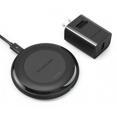 Foto van RAVPower 10W Wireless Table Charger met RAVPower 24W oplader
