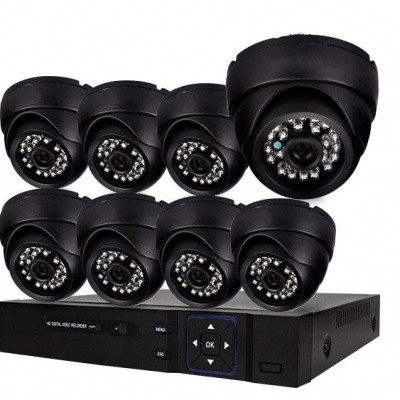 Foto van Beveiligingscamera set met 8x bekabelde Dome Camera's