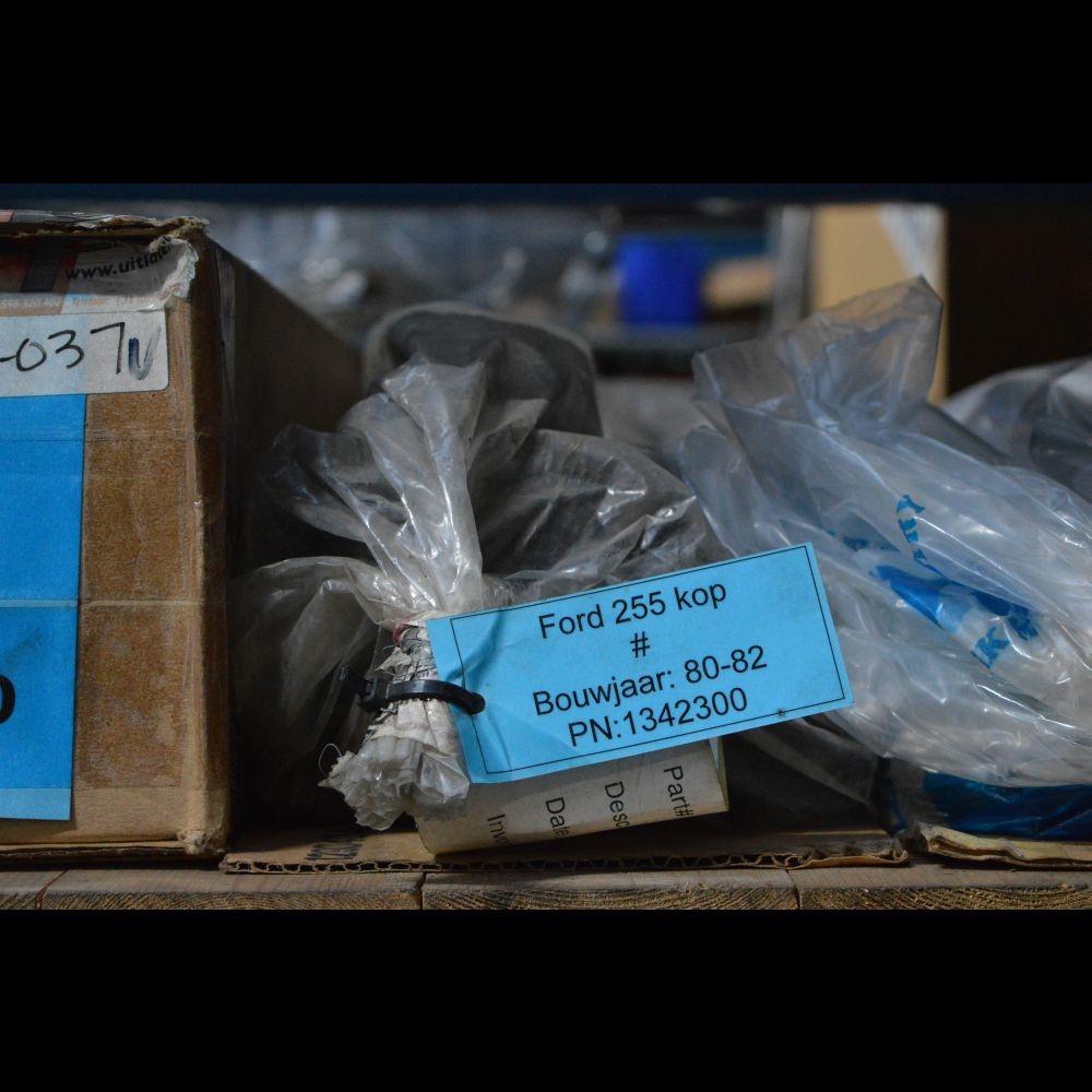 Gereviseerde Ford 255 kop + LPG 80-82