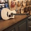 Afbeelding van Eastman AC222CE, solid Sitka spruce top, solid Ovankol back and sides, incl. gigbag