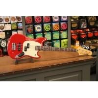 Foto van Fender Mustang Bass PJ Torino Red 014-4053-558