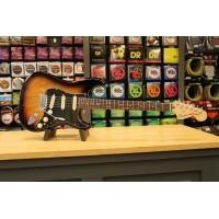 Foto van Fender Deluxe Stratocaster®, Rosewood Fingerboard, 2-Color Sunburst 014-7100-303