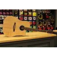 Foto van Eastman AC220CE Solid Sitka Spruce top, laminated Rosewood back and sides incl. gigbag
