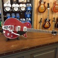 Foto van Gretsch G6131T-PE Players Edition Jet™ FT with Bigsby® incl. case 240-2400-845
