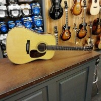 Foto van Martin HD-28e, solid Sitka spruce top, solid Rosewood back and sides. incl. hardcase