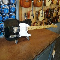 Foto van Fender 50's Custom Lollar Special Telecaster incl. hardcase. Black, Maple neck.