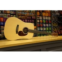 Foto van Martin DX1AE Solid Sika spruce top, HPL Mahogany back and sides