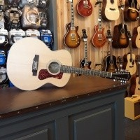 Foto van Guild F-2512E Maple, Solid Sitka spruce top, Laminated Maple back and sides inlc. gigbag