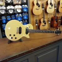Foto van Heritage H-137, TV Yellow, Lollar P90 Dogear neck and bridge, incl. hardcase