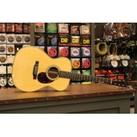 Foto van Martin OM-28e Retro, solid Sitka spruce top, solid Rosewood back and sides incl. hardcase