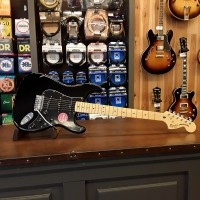 Foto van Squier Vintage Modified Stratocaster '70s MN BLK 030-1227-506