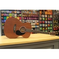 Foto van Martin 000RS-1 Solid Sapele top, Solid Sapele back and sides incl. hardcase