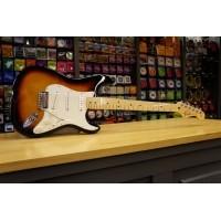 Foto van Fender Standard Strat MN Sunburst 014-4602-532