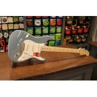 Foto van Fender American Professional Stratocaster Sonic Grey MN incl. case 011-3012-748