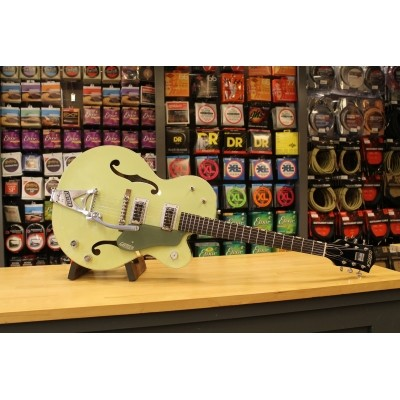 Gretsch G6118T-60 Vintage Select Edition '60 Anniversary with Bigsby, TV Jones, Smoke Green