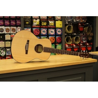 Eastman ACTG-1 Travelguitar Solid Sitka Spruce top, laminated Sapele back and sides incl. gigbag