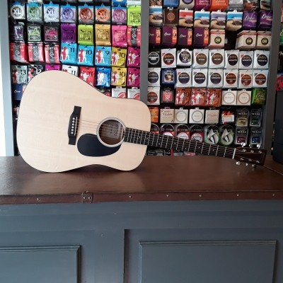 Martin DRS-2, Solid Sitka spruce top, Solid Sapele back and sides incl. hardcase