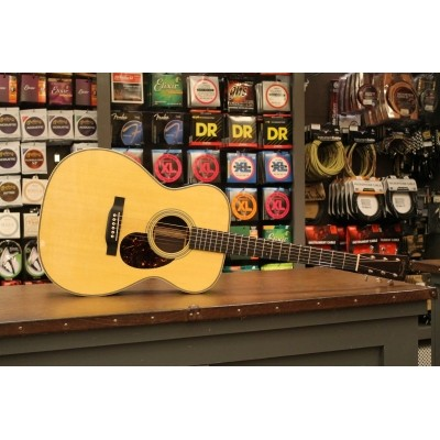 Martin OM-28e Retro, solid Sitka spruce top, solid Rosewood back and sides incl. hardcase